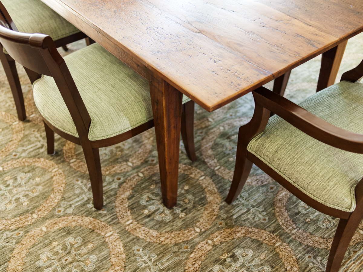 11_KMID_Wellesley_dining-chairs